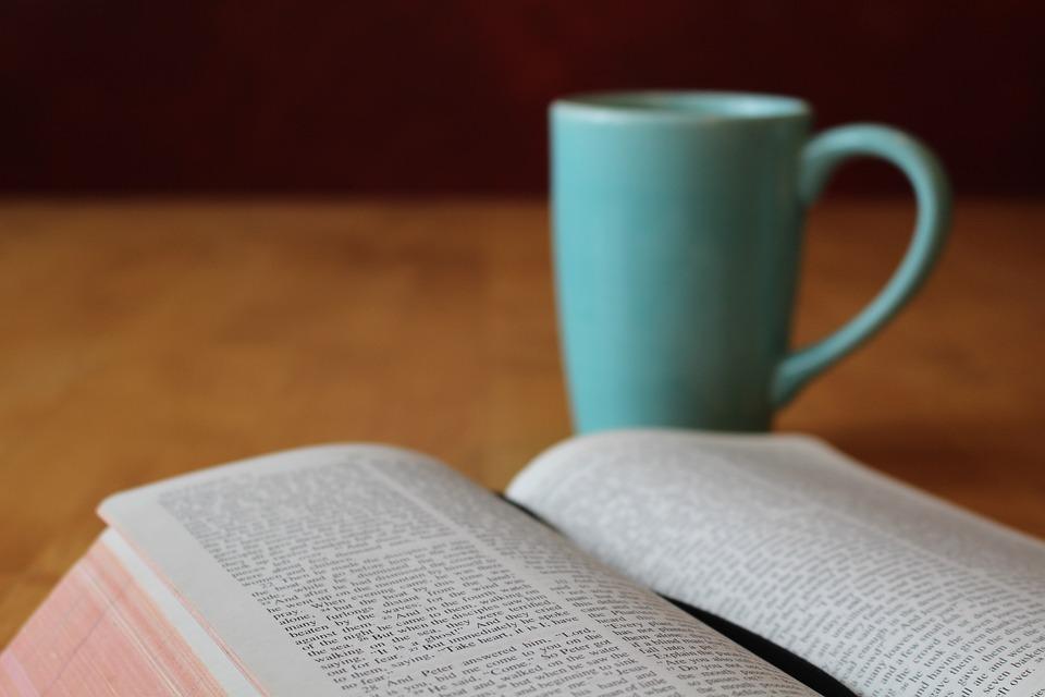 bible-896222_960_720