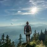hiker-918473_960_720